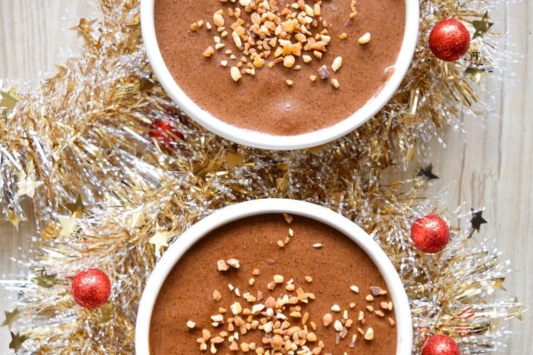 Mousse au chocolat et noisettes