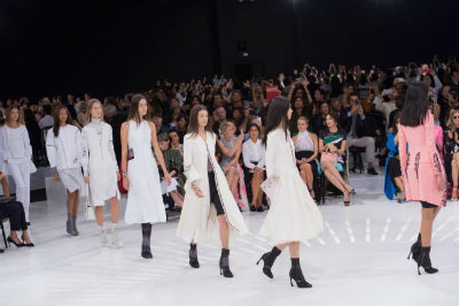 Défilé Christian Dior printemps-été 2015 : virage futuriste