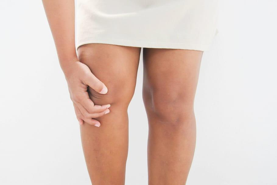 Liposuccion des genoux: techniques, combien ça coûte?