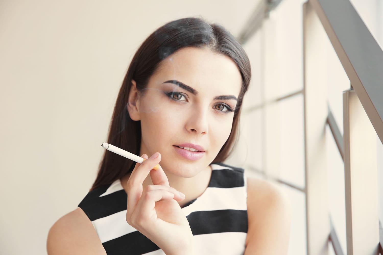 Pilule et tabac: risques d'AVC, effets secondaires, alternatives