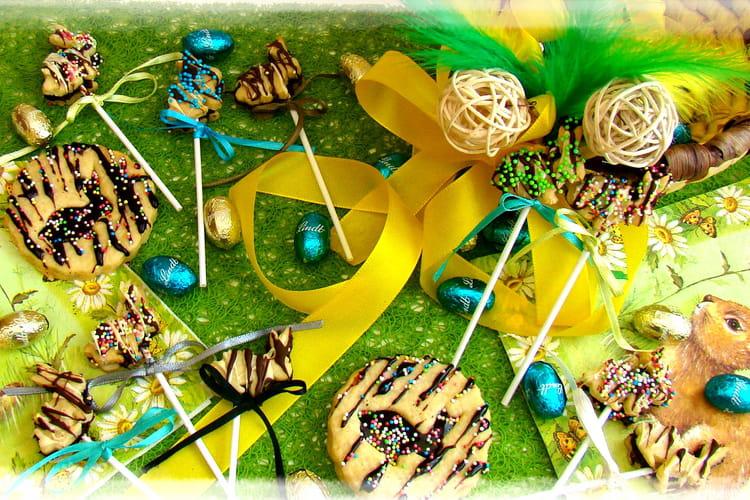 Biscuits et sucettes de Pâques en forme de lapin
