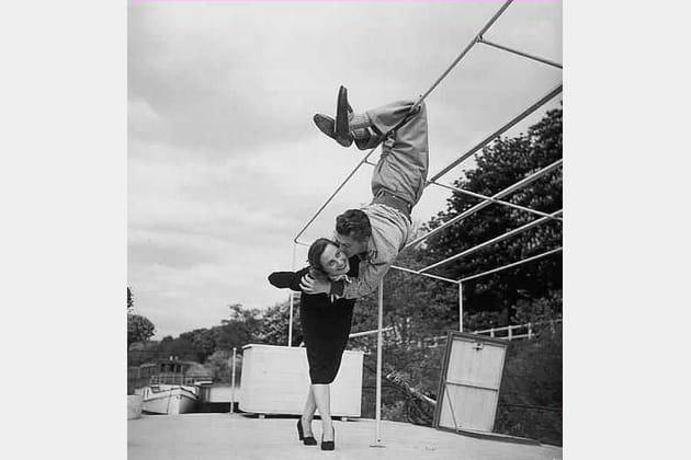 Avec le trubllion Jean Marais sur les Berges de la Seine, 1948