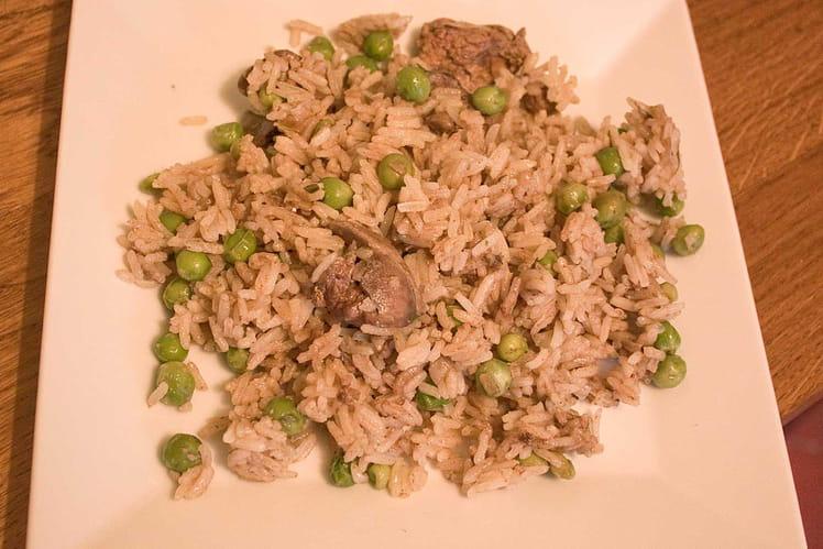 Poêlée de riz aux petits pois et foies de volaille
