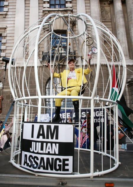 vivienne-westwood-activism-protest-assange