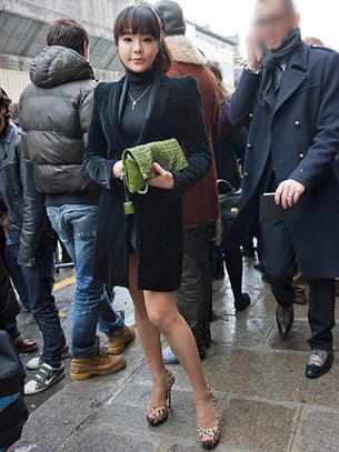 a la sortie du défilé jean-paul gaultier, mercredi 26 janvier 2011.