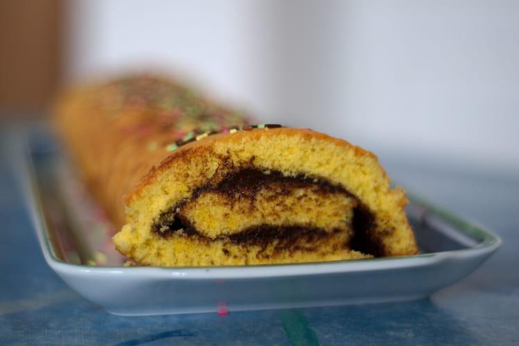 Gâteau roulé au chocolat noir rapide