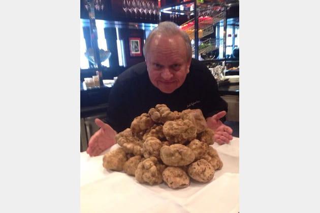 Joël Robuchon, des truffes blanches par dizaines