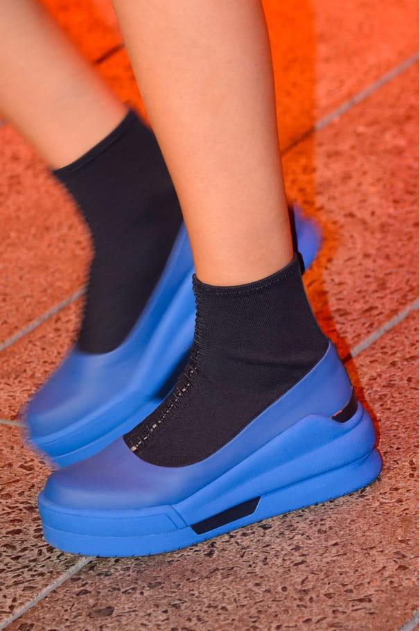 Les chaussures chaussette du défilé DKNY