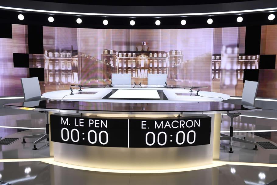 Présidentielle: Macron face à Le Pen, quel programme pour les femmes?