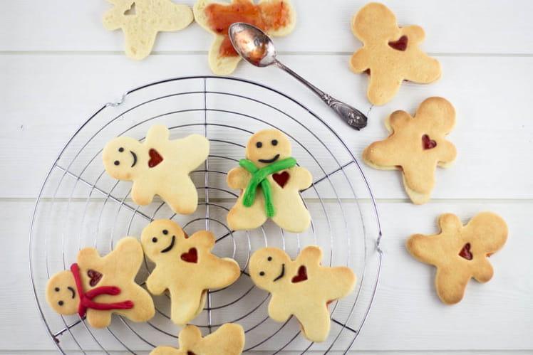 Petits sablés de Noël amoureux à la confiture
