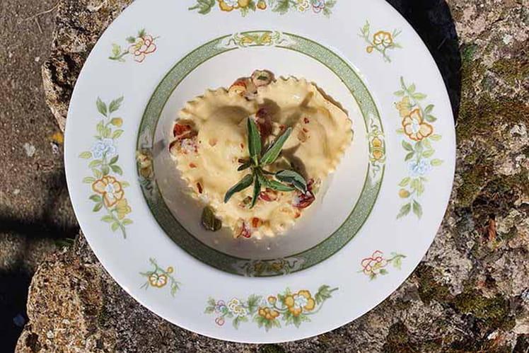 Raviolis aux artichauts feuilles de sauge et parmesan