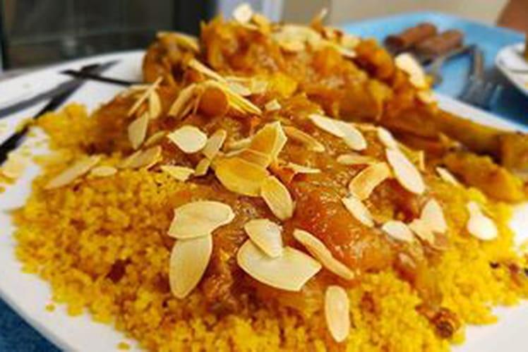 Tajine poulet, abricots, citron confit et amandes