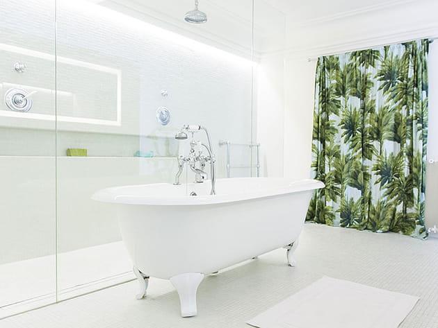 une baignoire l 39 ancienne. Black Bedroom Furniture Sets. Home Design Ideas