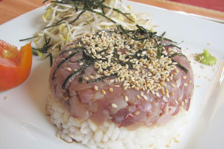 Tartare de thon à la manière d'un sushi