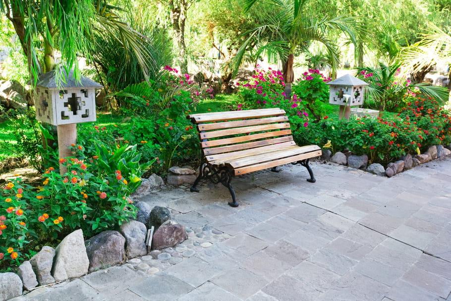Bordure de jardin: comment bien choisir et poser ces délimitations?
