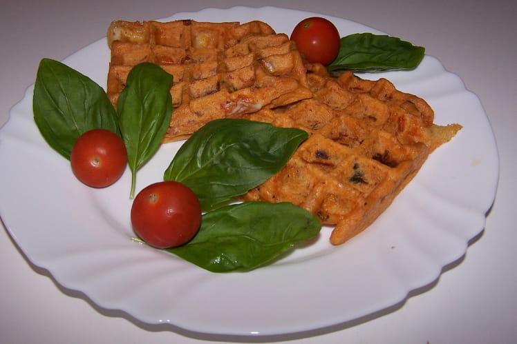 Gaufres au jambon fumé, tomates séchées et mozzarella