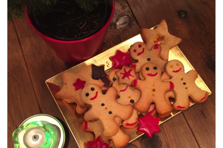Biscuits Bonhommes et étoiles de noël aux epices