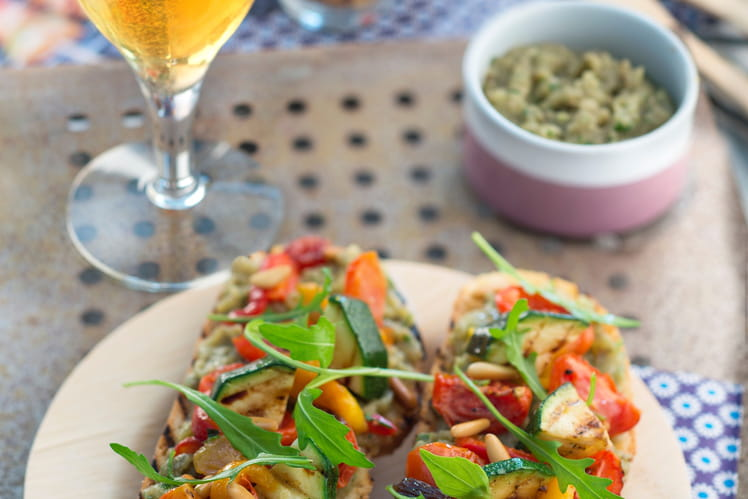 Tartines de légumes grillés et caviar d'aubergines