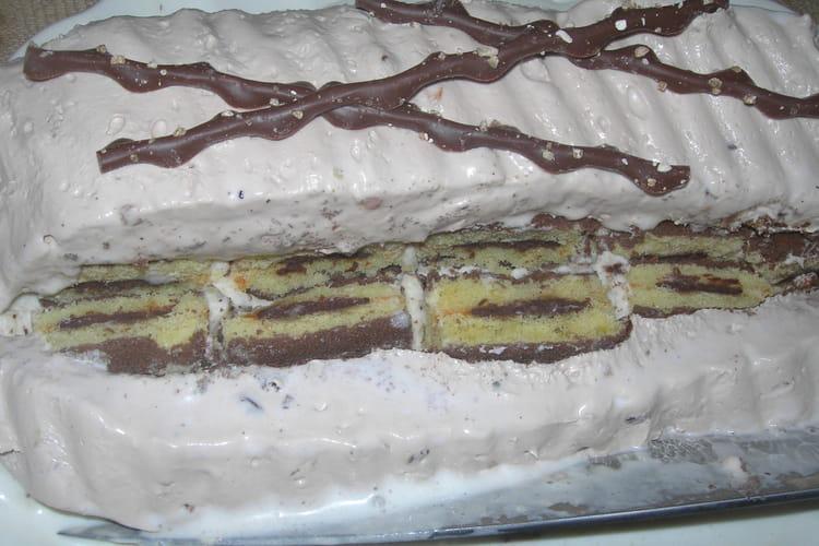 Gâteau génoise glacé presque parfait