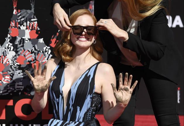 Jessica Chastain, haut les mains!
