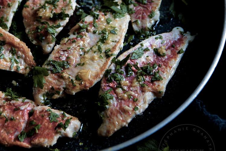 Filets de rougets poêlés à l'ail et au persil