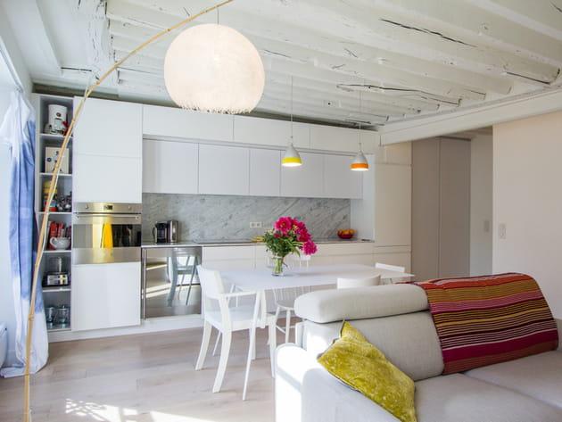 Une cuisine ouverte toute en longueur