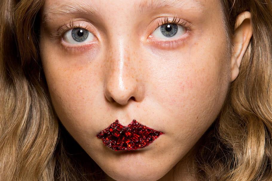 Les lèvres bijoux du défilé Gucci