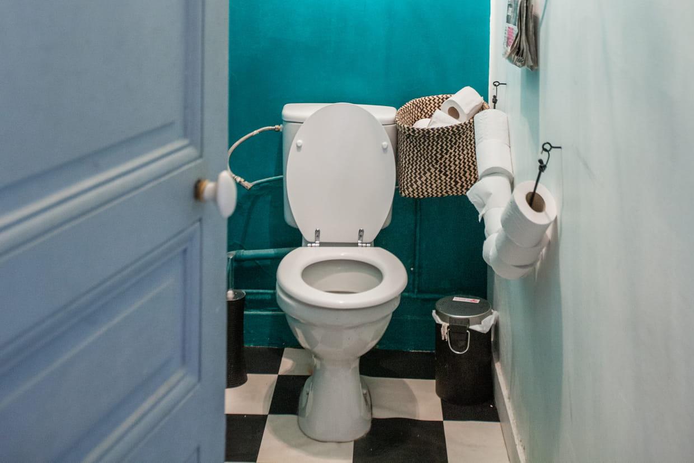 Nettoyer Lunette Toilettes Vinaigre Blanc déboucher des wc