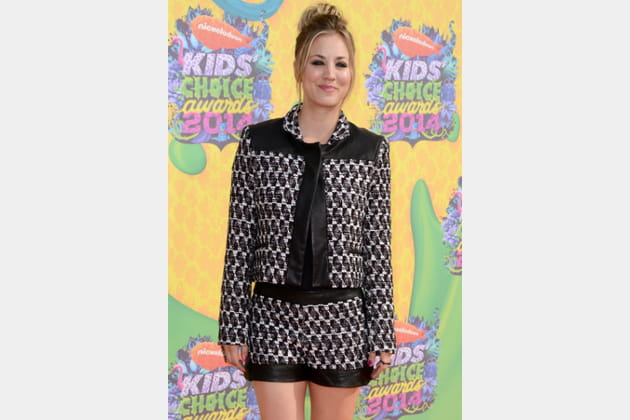Kaley Cuoco, hypnotique en short graphique