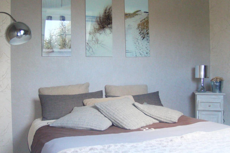 un air marin dans la chambre d 39 hugo. Black Bedroom Furniture Sets. Home Design Ideas