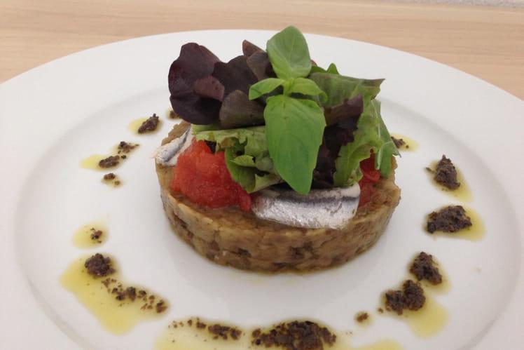 Caviar d'aubergine, anchois marinés et tomates confites, vinaigrette de tapenade