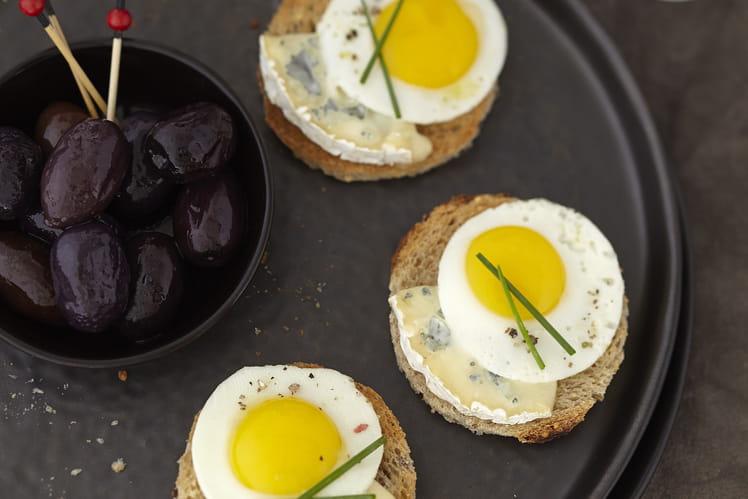 Toasts apéritifs au Bresse Bleu