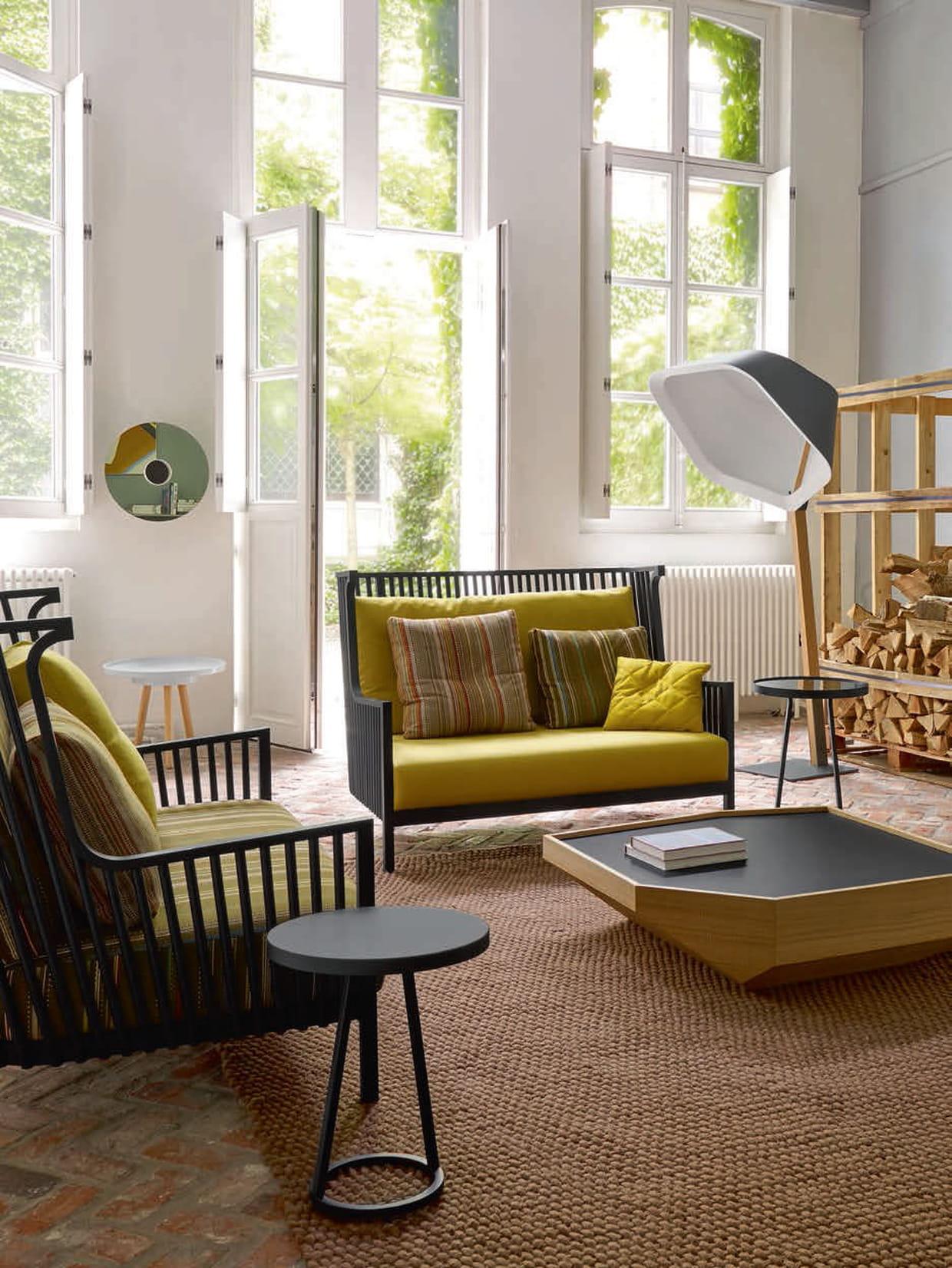 Canap d 39 ext rieur elizabeth by nathan young chez ligne roset - Salon de jardin en ligne ...