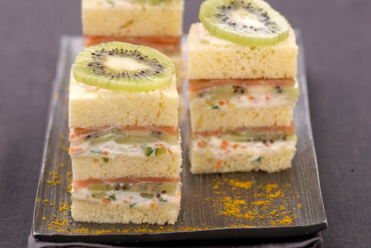Minis sandwichs au kiwi de l'adour, saumon fumé et fromage frais