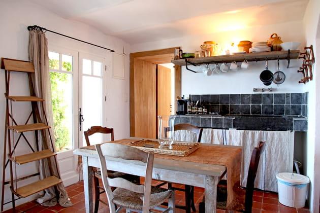 Une cuisine rustique chic en toute simplicité