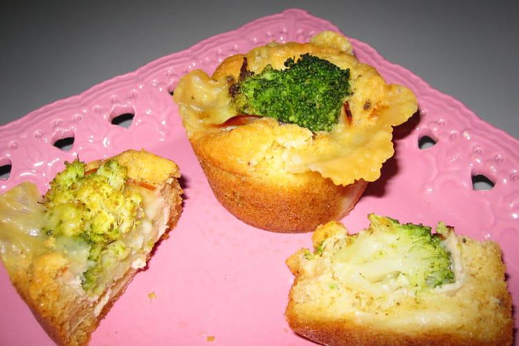 Minis cakes brocolis, comté, jambon