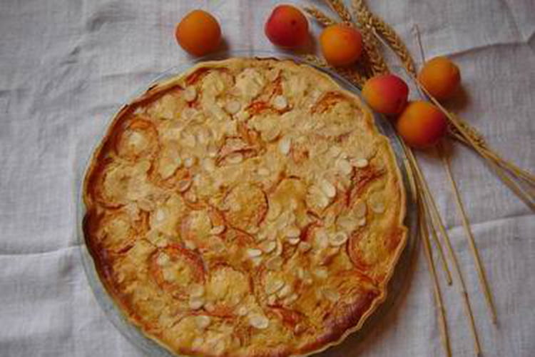 Tarte aux abricots et amandes effilées
