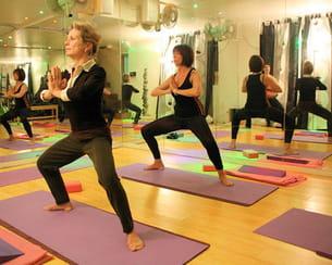 le yogalates est une activité douce, sans danger sur les articulations.