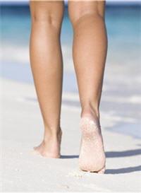 la marche, le footing, la natation... améliorent la circulation veineuse dans
