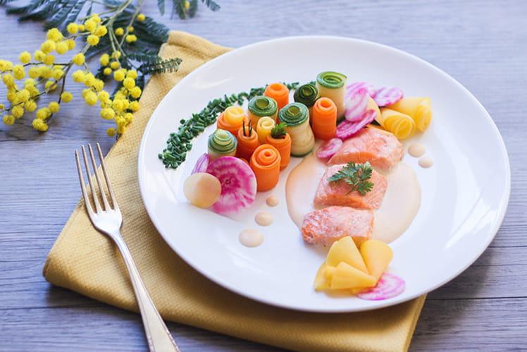 Saumon au beurre blanc et son jardin de légumes