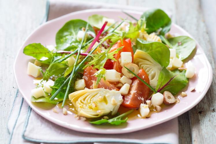 Salade d'artichaut, tomates et reblochon