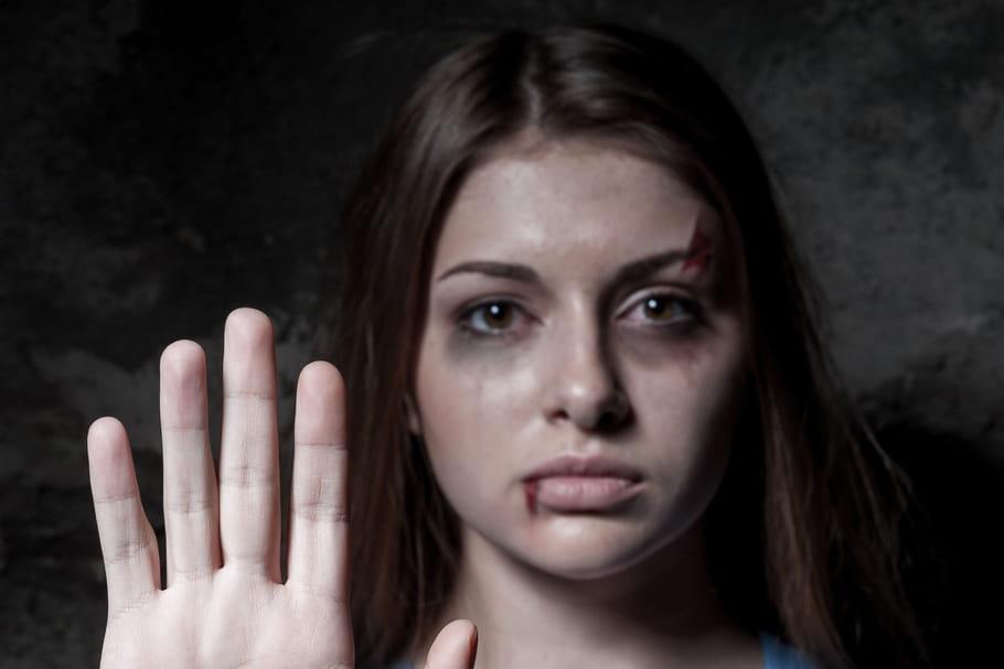 Violences conjugales: une avocate incite les femmes battues à quitter leur conjoint