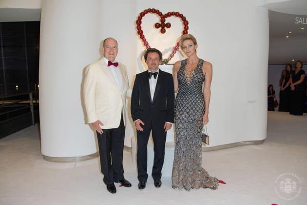 Le couple princier et le président de la Croix-Rouge monégasque