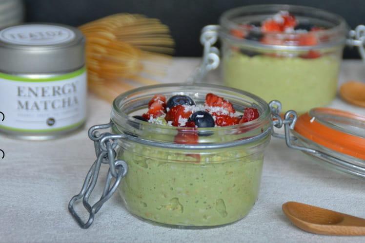 Porridge coco, matcha et fruits