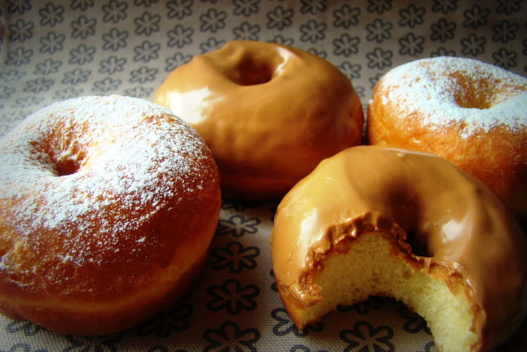 recette de donuts la recette facile. Black Bedroom Furniture Sets. Home Design Ideas