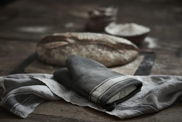Serviette de table et gant isolant Vardagen d'IKEA
