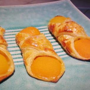 petits feuilletés aux abricots
