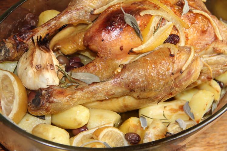 Poulet rôti, citrons confits de Menton et olives noires