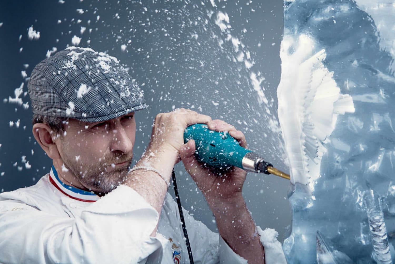 Gérard Taurin, sculpte la glace avec classe