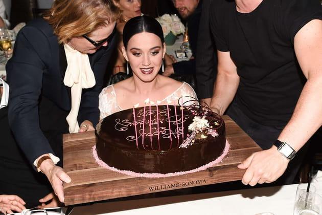 Katy Perry fête son 32e anniversaire